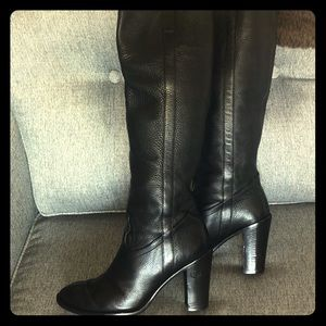 Pre-loved Gucci riding block heel knee high boots